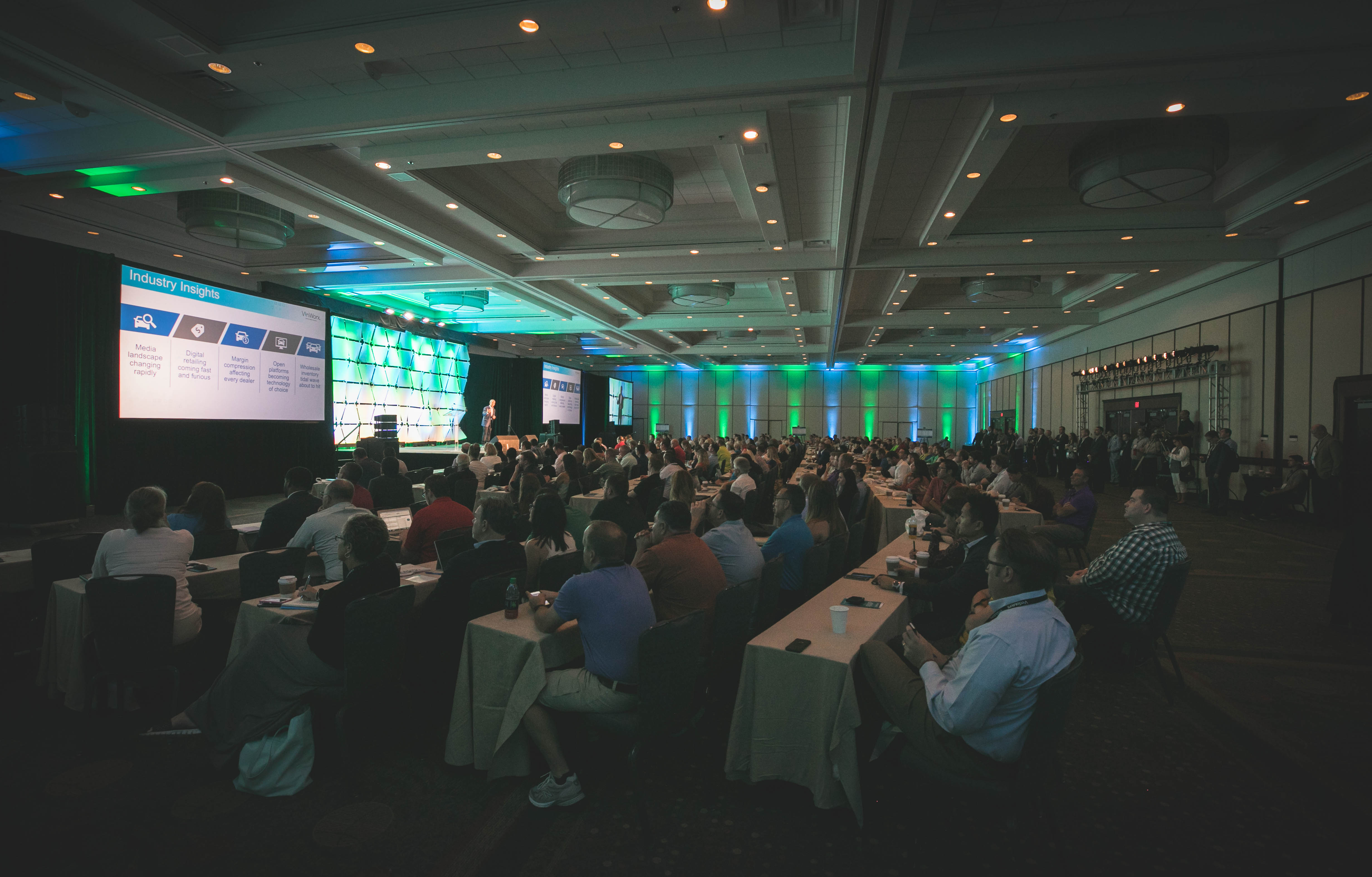 More than 300 dealers and industry experts fill the Grand Ballroom for a presentation by Mark O'Neil, Executive Vice President and Chief Operating Officer of Cox Automotive.
